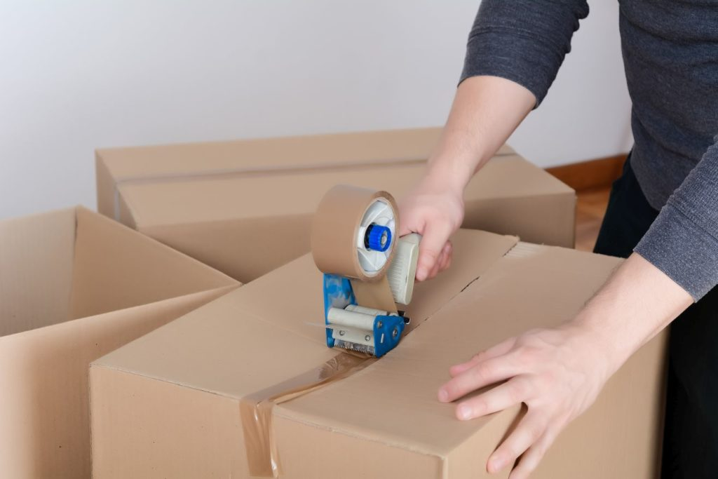 Jak poprawnie zapakować paczkę?